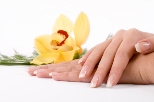 The easiest home remedies to grow stronger nails - Easy home remedy strengthen dry brittle nails ...