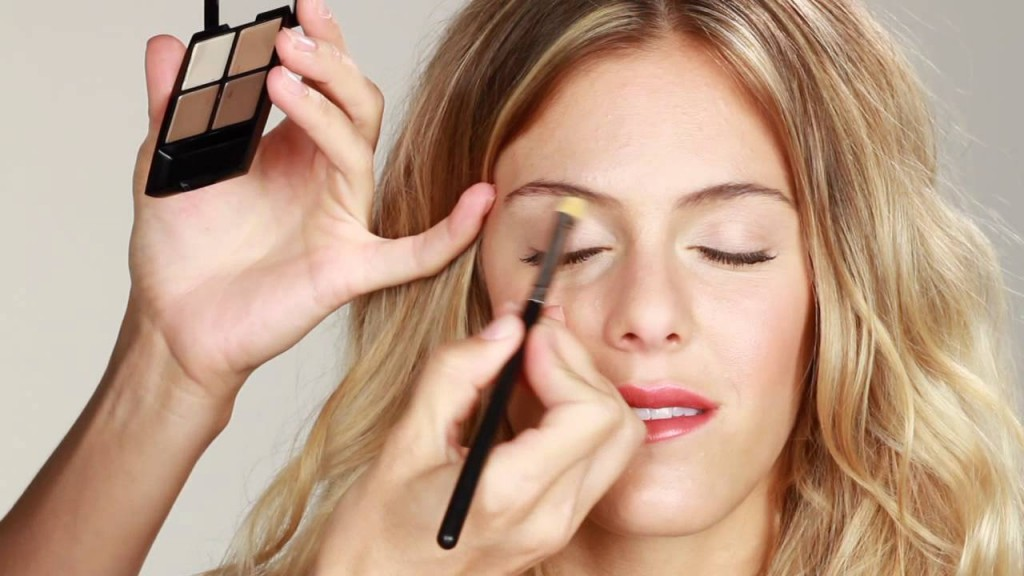 Makeup Tricks For Droopy Eyes