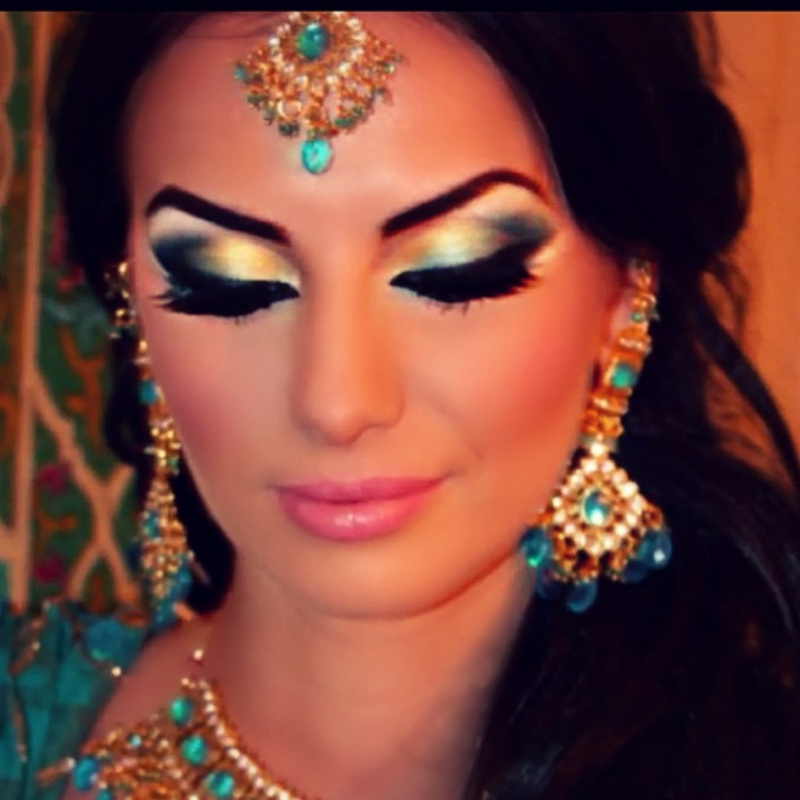 Indian Bridal Eye Makeup: Halloween Beauty Tips To Get Your Scare On